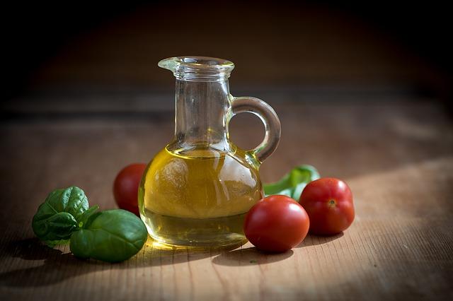 ことば検定8月23日|油と脂の違いは個体液体/植物性動物性?