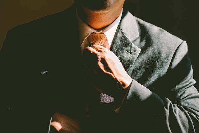 背広の名前の由来で有力なのは男性/市民?|ことば検定3月2日